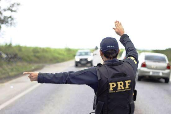 Sancionada lei que libera R$ 36 milhões para policial rodoviário trabalhar na folga