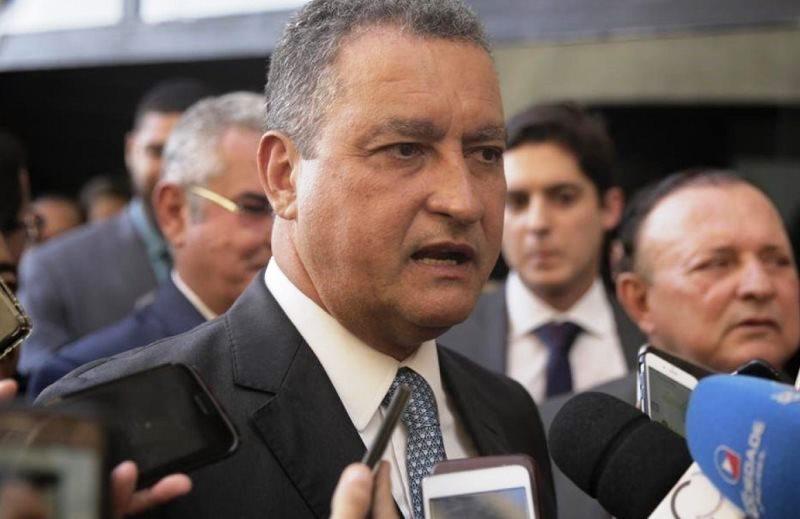 Governador da Bahia chama governo federal de caloteiro e ataca Bolsonaro