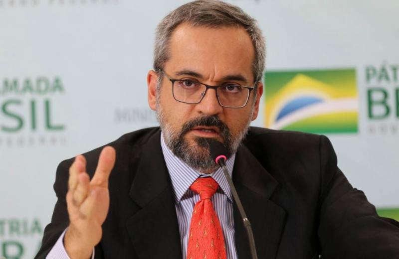 Ministro da Educação diz que recursos de universidades podem ser desbloqueados