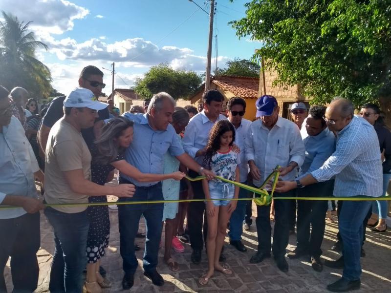 Governador Wellington Dias inaugura e autoriza obras em São João do Piauí