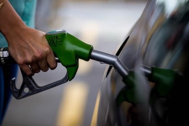 Preços dos combustíveis sobem nos postos na semana, diz ANP