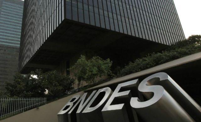 Os donos dos dez jatinhos mais caros financiados pelo BNDES; veja a lista