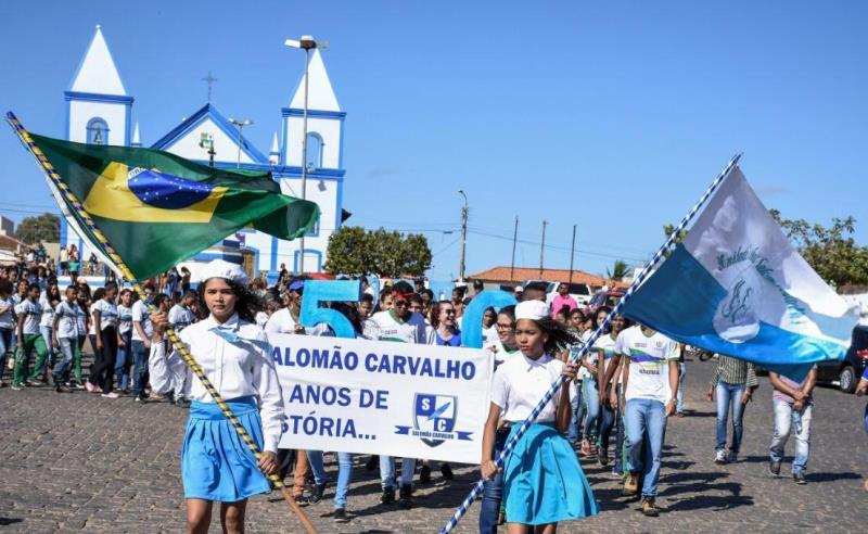 Escolas públicas estaduais participam de desfile de 7 de Setembro em São João do Piauí