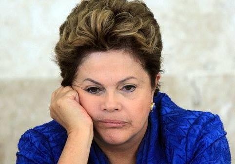 Sete em cada dez brasileiros responsabilizam Dilma pelo escândalo na Petrobras