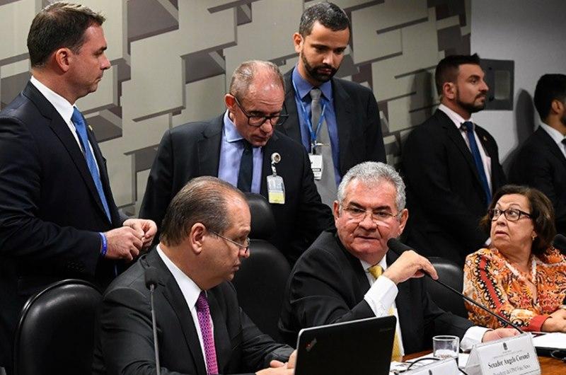 CPI Mista quer ouvir Joice, Delegado Waldir e membros do governo o