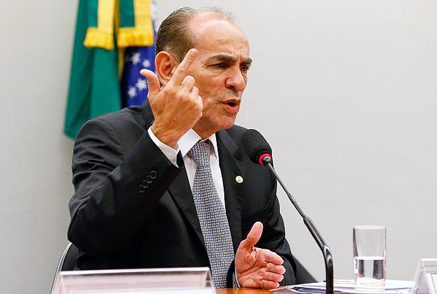 Senador Marcelo Castro quer cobrança de royalties sobre a energia solar e a eólica