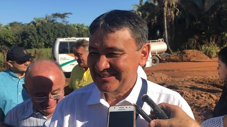 Justiça intima Wellington Dias e determina reenquadramento de servidores da Sesapi