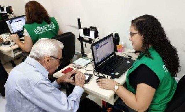 TSE: eleitores com mais de 70 anos precisam fazer a biometria