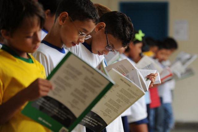 Mensalidades escolares mais que dobraram em 10 anos, diz Procon