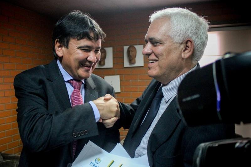 Wellington Dias consegue aprovar reforma da Previdência por 24 votos