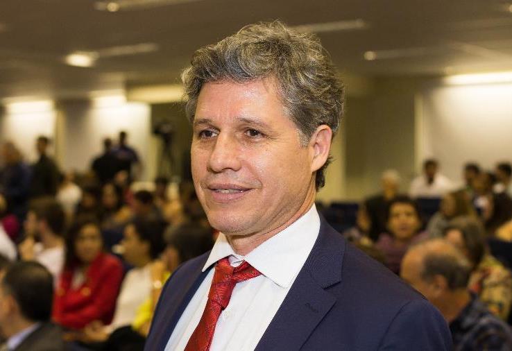 Paulo Teixeira é o 1º líder da esquerda no Congresso a pedir o impeachment de Bolsonaro
