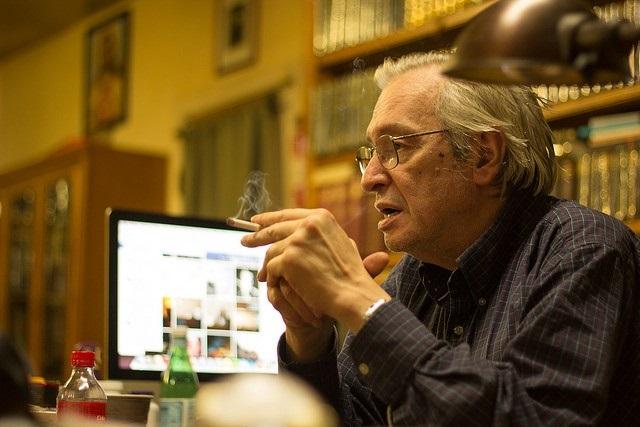 Olavo de Carvalho editou livro em homenagem ao Exército financiado pela Odebrecht