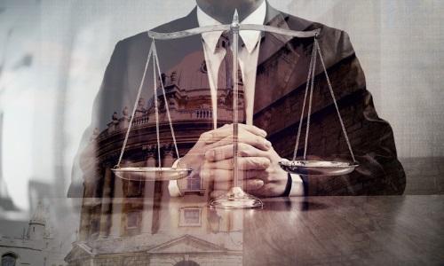 Bolsonaro veta lei que permite contratar advogado e contador sem licitação