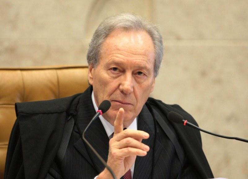 Lewandowski diz ao El País que operações da Lava Jato são seletivas e propõe mandatos ao STF
