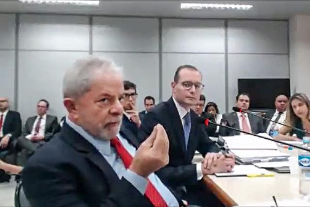 Lula diz que 'lava jato' deu prejuízo de R$ 142 bi e quase destruiu o Brasil