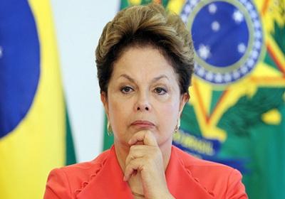 Dilma diz que o Brasil não vive crise e corrupção e que não há intocáveis