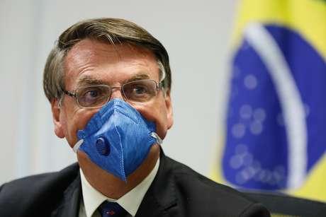 Juíza manda hospital militar que atendeu Bolsonaro divulgar lista de infectados