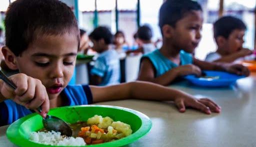 MEC e secretarias discutem alternativas para distribuição dos alimentos em depósitos nas escolas