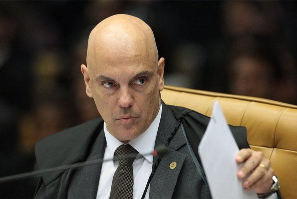 Moraes autoriza abertura de investigação sobre atos antidemocráticos de domingo