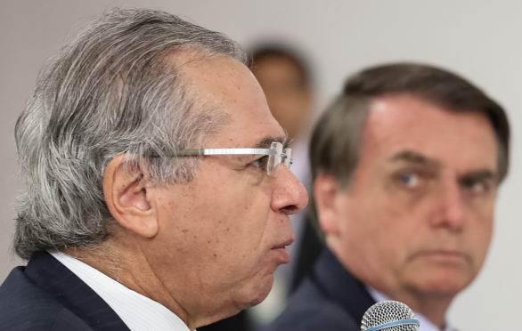 'Homem que decide a economia é um só: Paulo Guedes', diz Bolsonaro