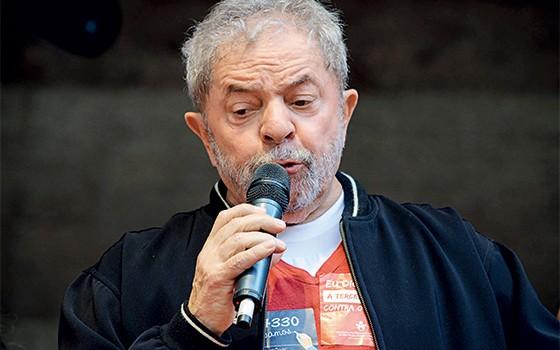 TRF4 mantém condenação de Lula a 17 anos de prisão no caso do sítio de Atibaia