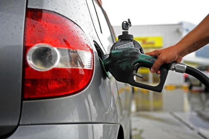 Petrobras aumenta preço da gasolina em 12%