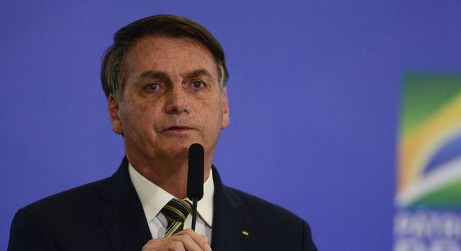 Presidente do STJ libera Bolsonaro de revelar exames de coronavírus