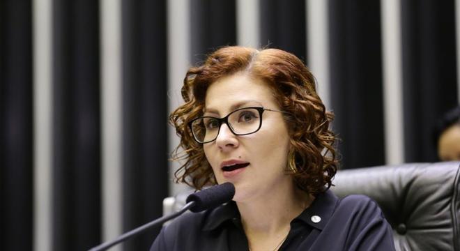 Saída de Moro foi por derrotas como ministro, diz Carla Zambelli