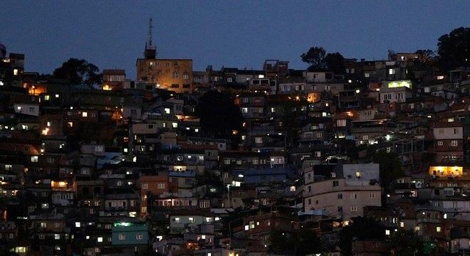 Brasil tem mais de 5 milhões de moradias irregulares, diz IBGE