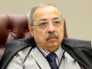 Corte Especial do STJ referenda afastamento de desembargador