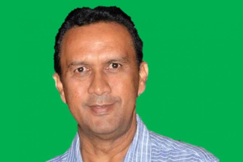1ª MÃO: Arnaldo Araújo derruba os efeitos da cassação no TSE e se mantém no cargo