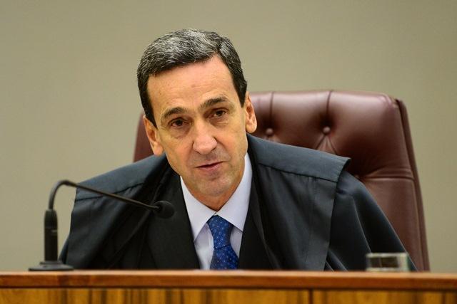 STJ determina bloqueio de bens do governador Helder Barbalho