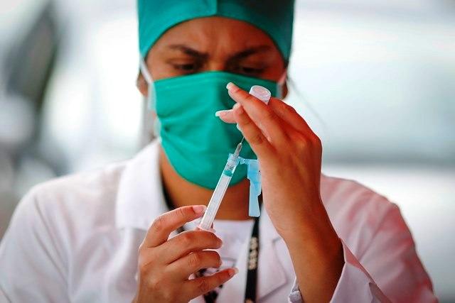 Vacina que deve ser cedida ao SUS se mostra eficiente em testes