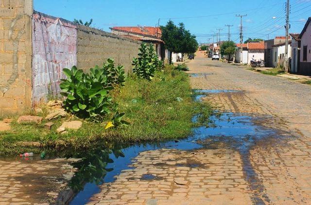 População reclama de limpeza de ruas; prefeitura já pagou R$ 293 mil