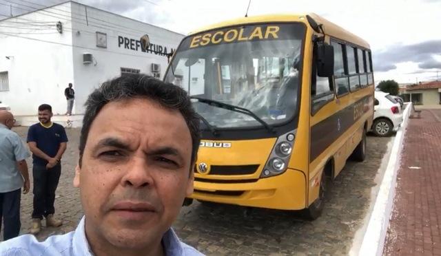 Gestão Gil Carlos pagou mais R$2,3 milhões com locação de veículos