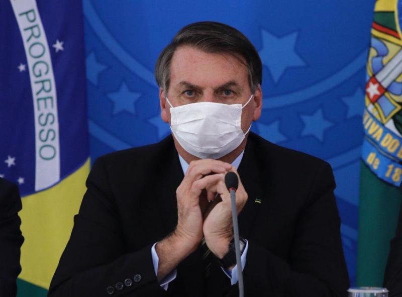 Teste aponta que Bolsonaro continua com Covid-19 e viagem ao PI é cancelada