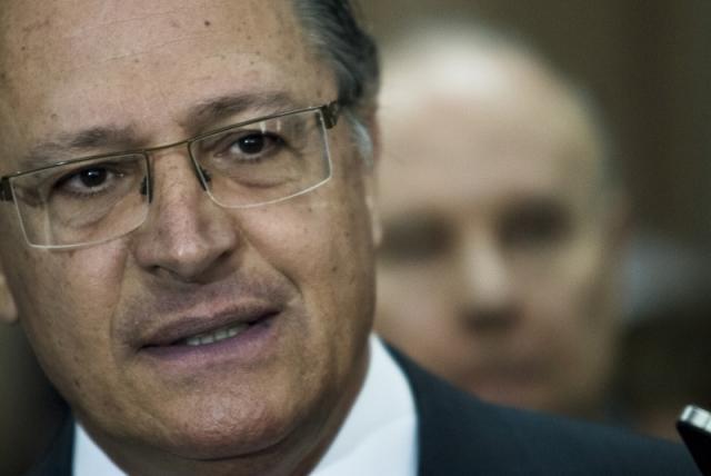 Alckmin é denunciado por lavagem de dinheiro e falsidade ideológica