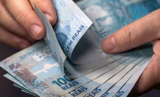 Governo federal propõe salário mínimo para 2021 em R$ 1.067