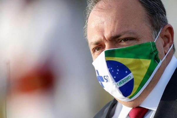 Pazuello assume a Saúde após quatro meses como ministro interino