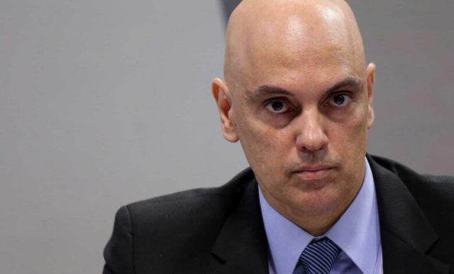 Moraes pede que PGR se manifeste após Bolsonaro desistir de depor