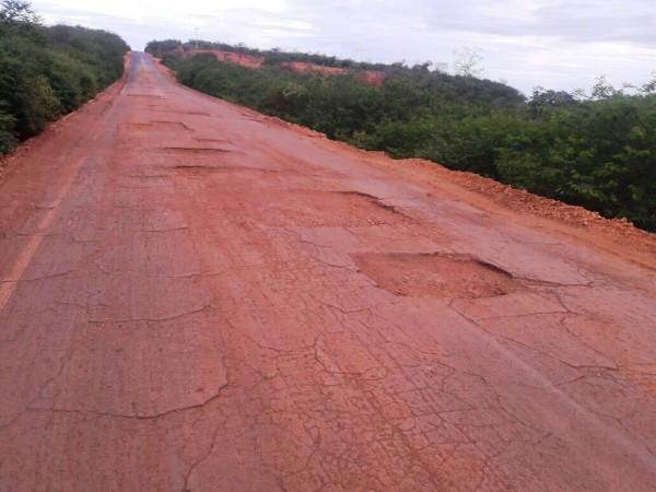 MP ajuíza ação civil pública para que governo melhore PI-141 que liga São João a Canto do Buriti
