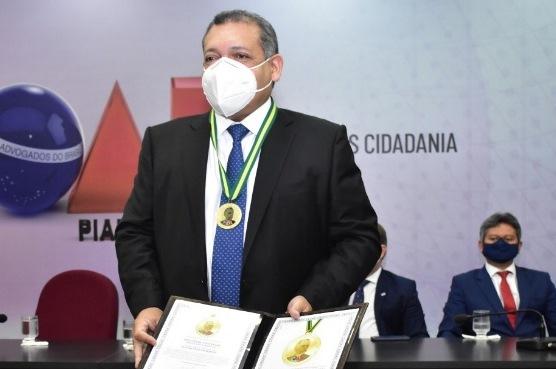 OAB-PI concede a mais alta honraria da Advocacia ao ministro Kássio Nunes Marques