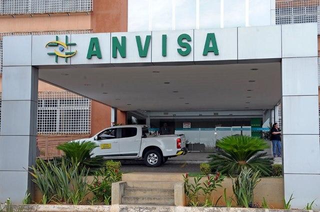 Diretoria da Anvisa aprova uso emergencial de vacinas contra covid