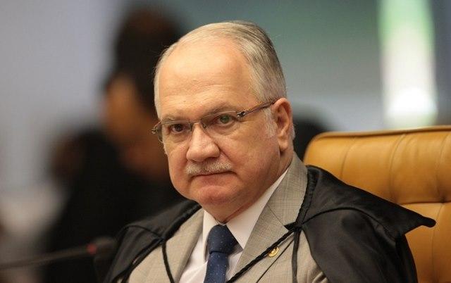 Fachin manda Bolsonaro respeitar lista tríplice na escolha de reitores
