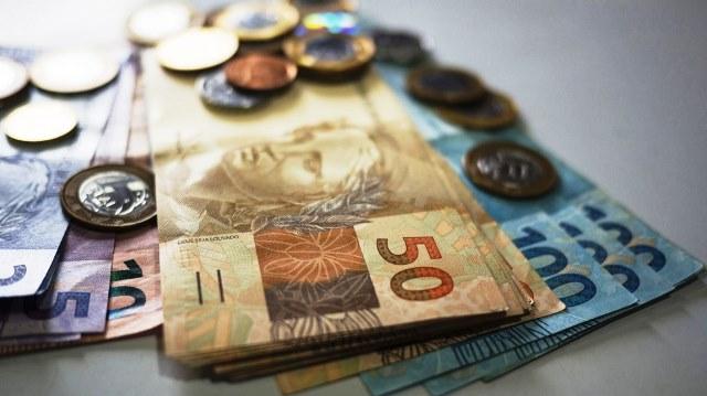 Governo prevê salário mínimo de R$ 1.088 a partir de 2021