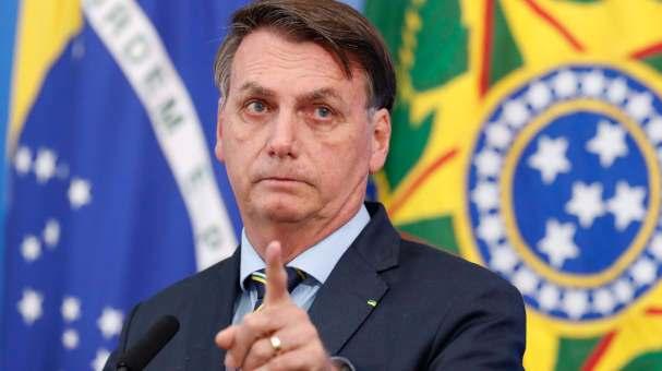 'Maia é culpado por perda da MP do 13º do Bolsa Família', diz Bolsonaro