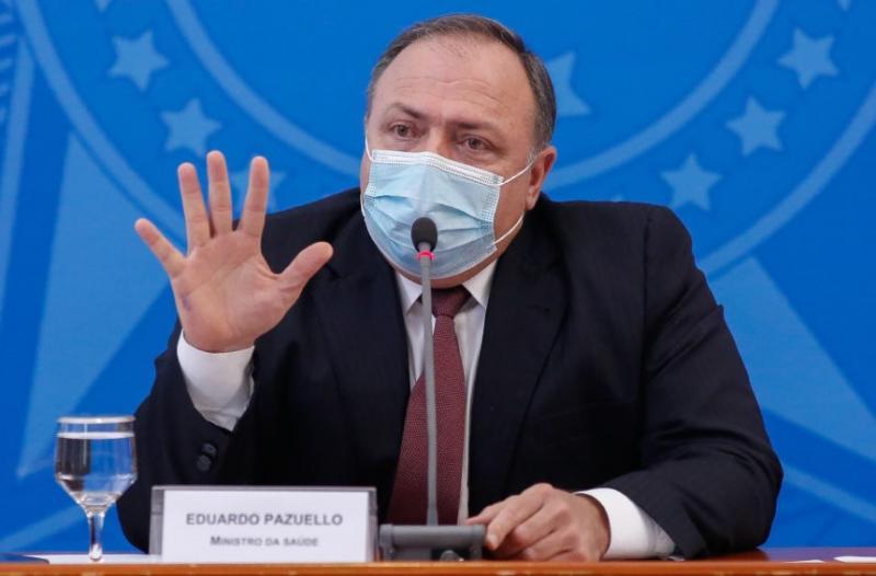 'Amanhã iniciaremos a distribuição de doses aos estados', diz Pazuello