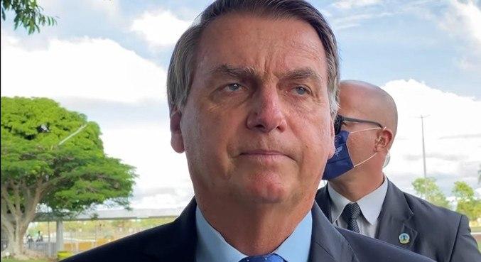 'Governadores também podem dar auxílio emergencial', diz Bolsonaro