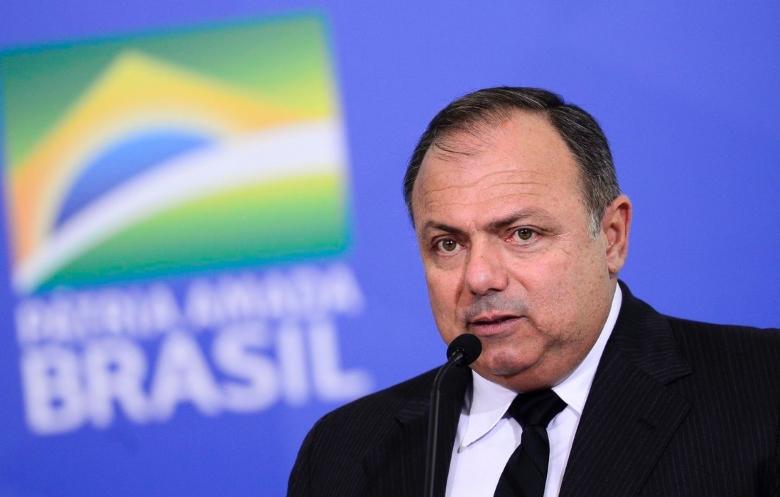 Pazuello alega motivo de saúde e pede para deixar Ministério