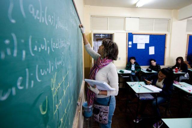 Ensino brasileiro: muito gasto para pouco resultado